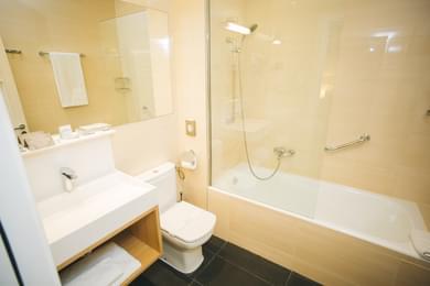 Barthroom bathtub